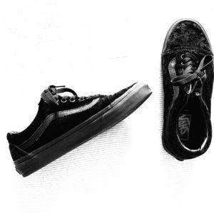 Women's Vans Black Velvet